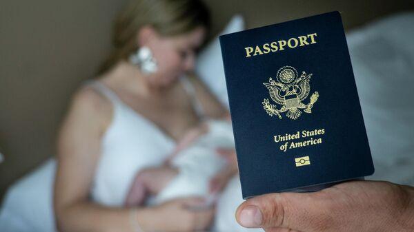 Паспорт гражданина США, выданный новорожденному ребенку