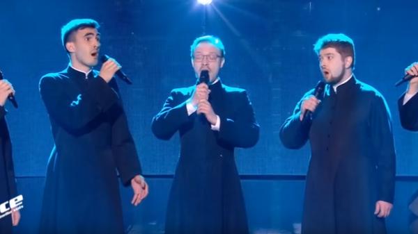 Священники покорили жюри французского Голоса песней на русском