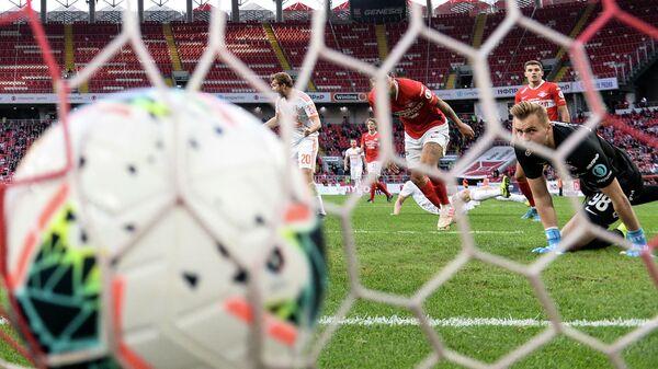 Российский футбол 16+: почему РФС против