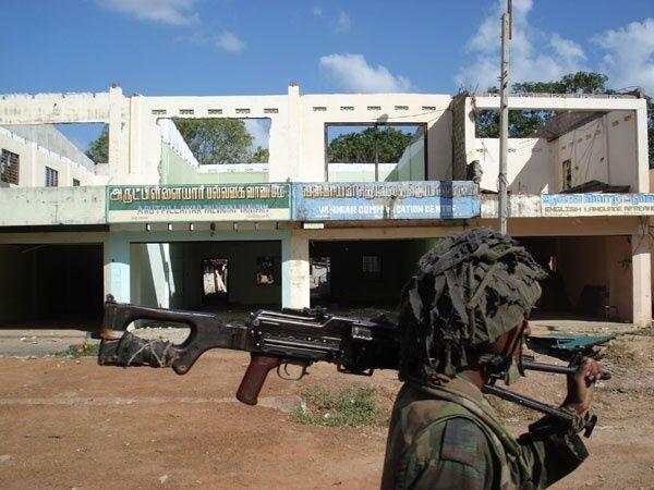 Авиация тамильских сепаратистов атаковала столицу Шри-Ланки