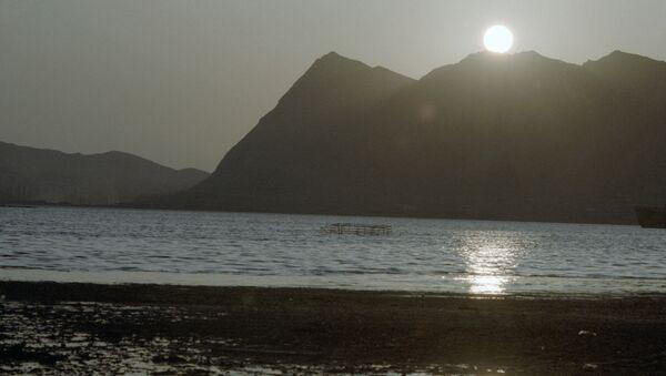 Закат на Каспийском море. Архивное фото