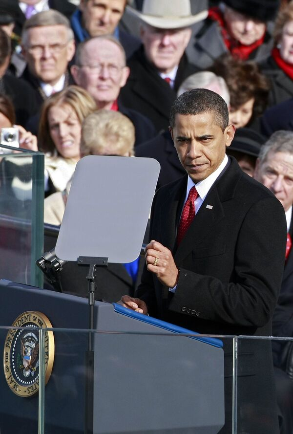 Барак Обама произносит речь на инаугурации в Вашингтоне