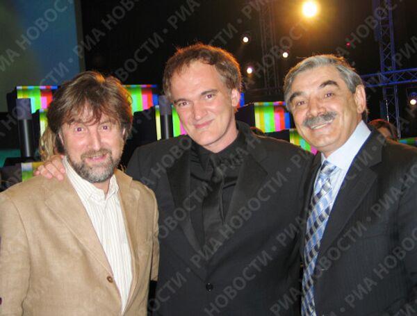 Ярмольник, Тарантино и Панкратов-Черный во время открытия 26-го Московского Международного кинофестиваля