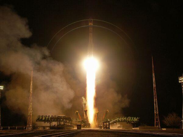 Иран все-таки сдержал обещание до окончания года по иранскому солнечному календарю (завершается 20 марта) вывести на орбиту вокруг Земли собственной ракетой-носителем первый национальный спутник
