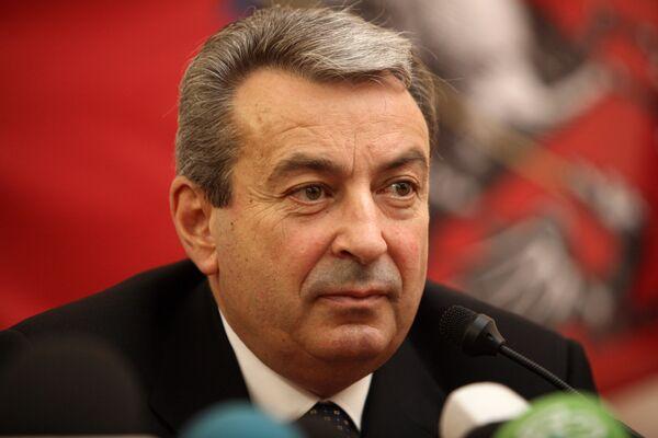 Ш.Чигиринский на пресс-конференции. Архив
