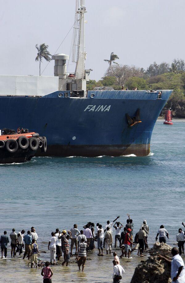 Faina в кенийском порту Момбаса