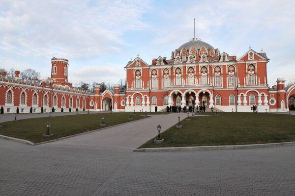 В Москве завершилась реконструкция Петровского Путевого дворца
