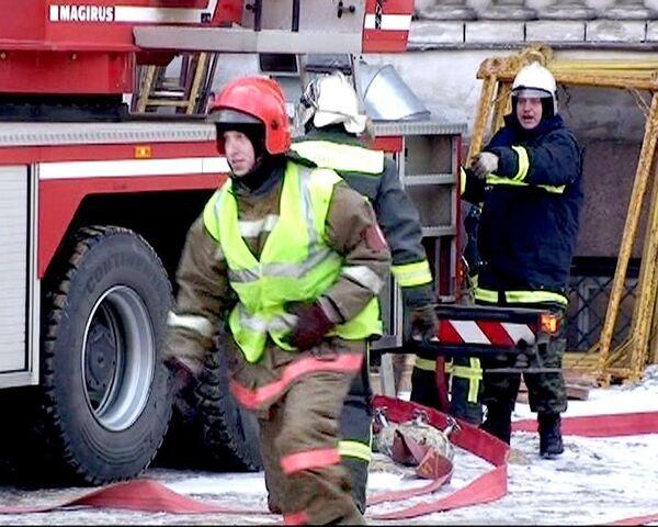 Пожарные потушили Троицкий собор Петербурга
