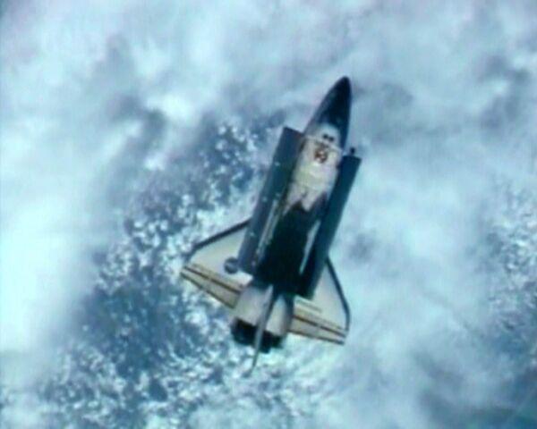Отстыковка шаттла Дискавери от МКС