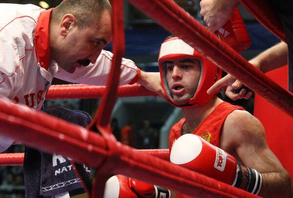 Российский боксер Миша Алоян