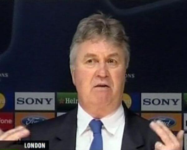 Хиддинк раскритиковал игру Челси в первом тайме
