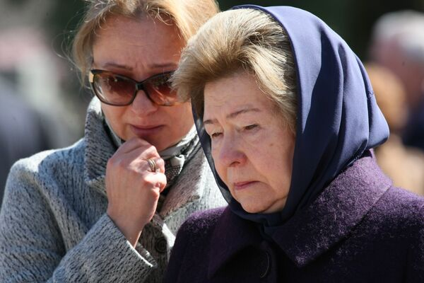 У могилы первого президента России Б.Н.Ельцина