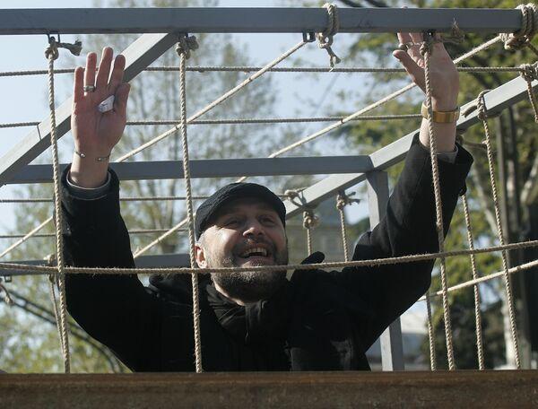Участник митинга оппозиции певец Георгий Гачечиладзе