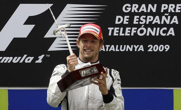 Дженсон Баттон празднует победу на Гран-при Испании