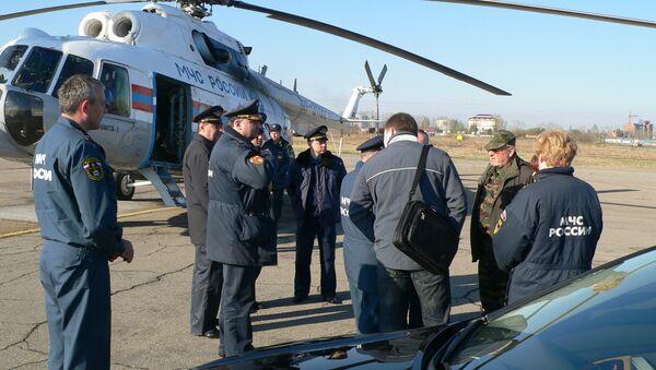 Группа МЧС и Сибирского следственного управления на транспорте СКП РФ готовится к вылету к месту падения вертолета Белл