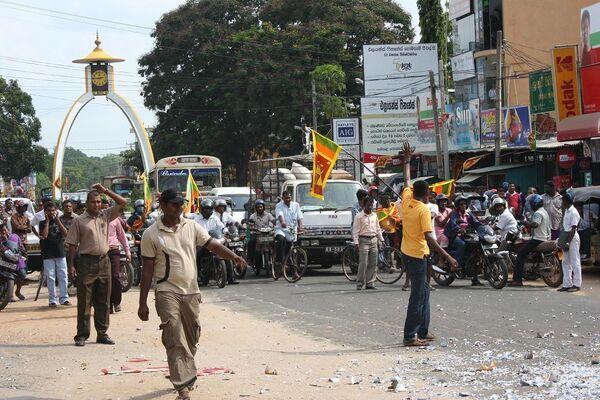 Президент Шри-Ланки назначил досрочные выборы главы государства