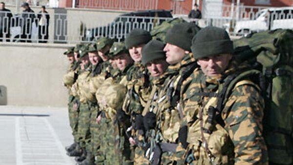 Ющенко и Тимошенко поздравили военнослужащих с Днем Вооруженных сил