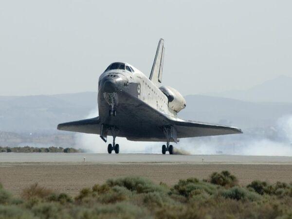Техники НАСА проведут испытания систем Атлантиса, готовящегося к старту 12 ноября