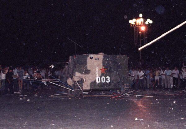 События на площади Тяньаньмэнь в Пекине весной 1989 года