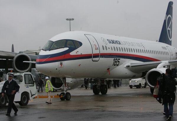 Первый полет Суперджет-100 на Ле-Бурже