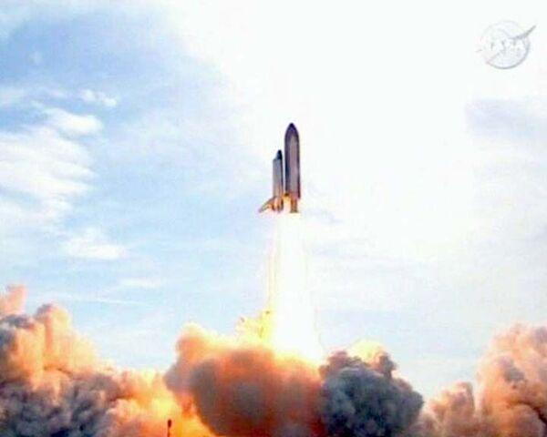 Шаттл Индевор стартовал к МКС с шестой попытки, повредив корпус
