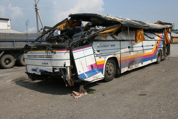 На месте автокатастрофы пассажирского автобуса, следовавшего рейсом Томск-Новосибирск-Яровое