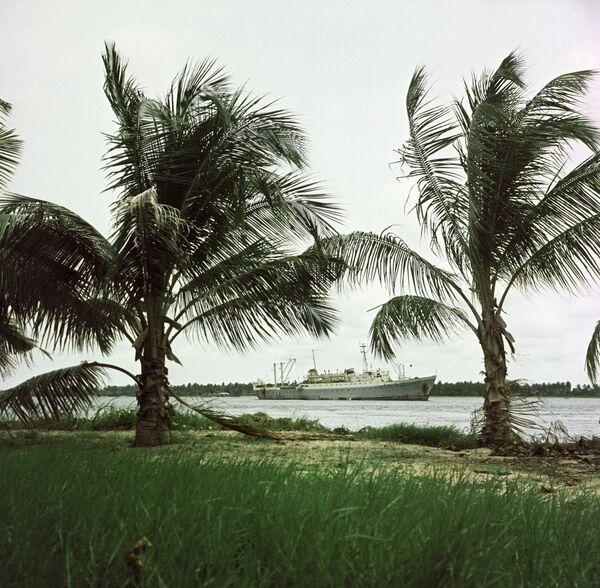 Траулер у берегов Нигерии