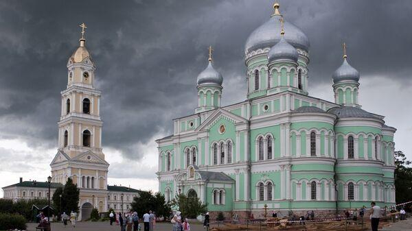 Свято-Троицкий Серафимо-Дивеевский женский монастырь в Нижегородской области