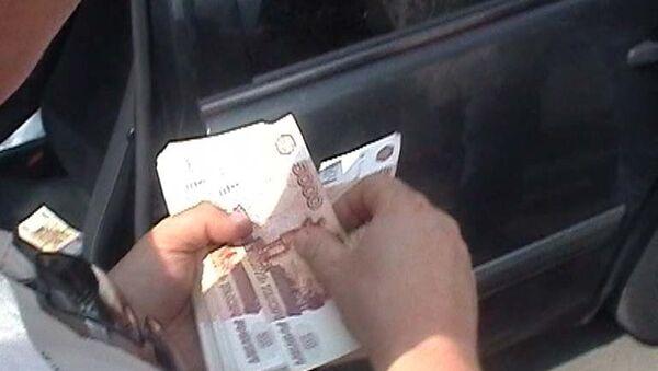 Два сотрудника ДЭБ МВД РФ подозреваются в вымогательстве - Нургалиев