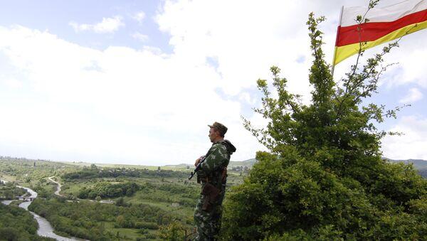 Пограничник на грузино-южноосетинской границе. Архив