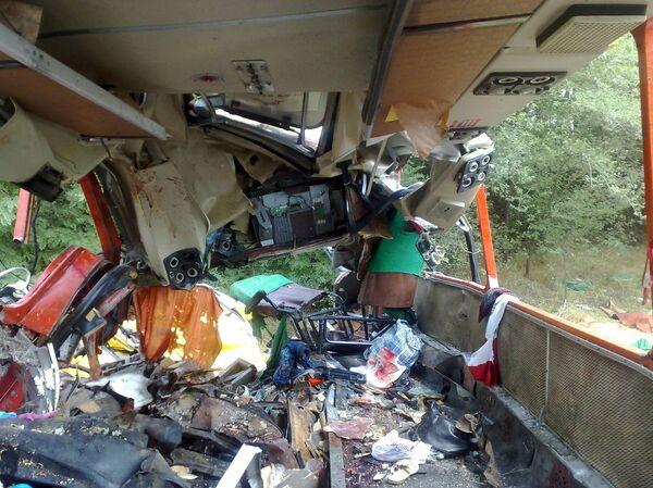 Столкновение бензовоза и автобуса в Ростовской области