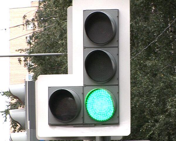Умные светофоры будут бороться с пробками на дорогах