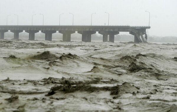 Шесть тысяч человек эвакуированы на Тайване из-за тайфуна Парма