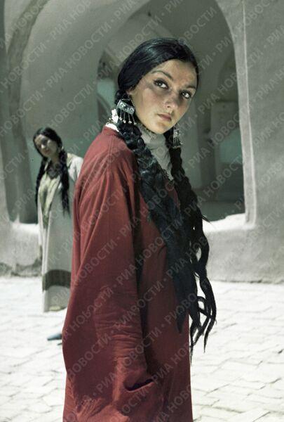 Сцена из фильма Белое солнце пустыни