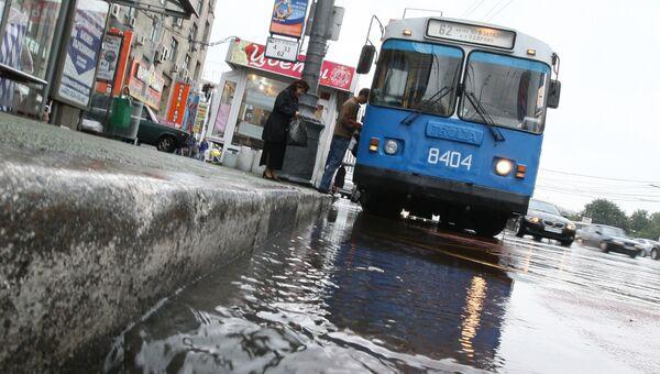 Глава столичной ГАИ приехал на работу на троллейбусе