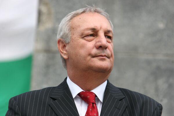 Багапш в случае победы на выборах сохранит костяк правительства