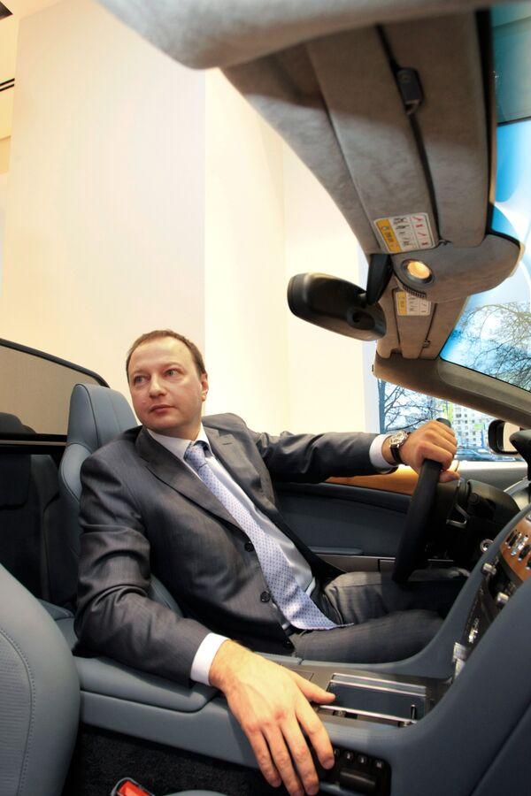 Гендиректор ОАО Астон Мартин Москва Андрей Ломакин