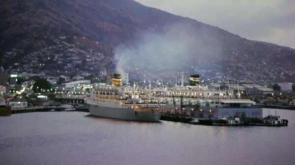Порт Ла Гуайра, Каракас
