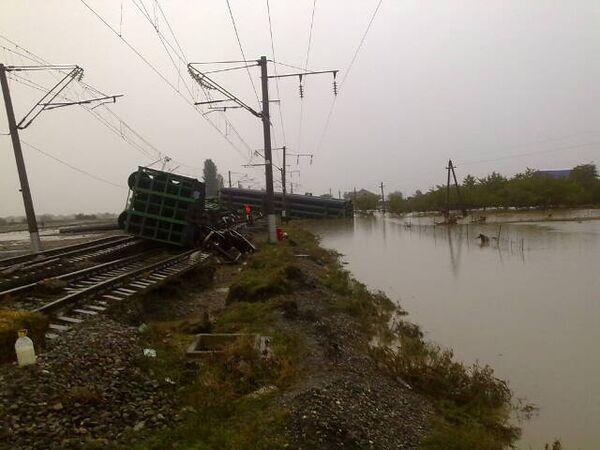 Перевернутый поезд в  Дагестане