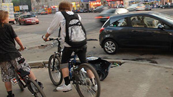 Велосипедисты в Москве. Архив