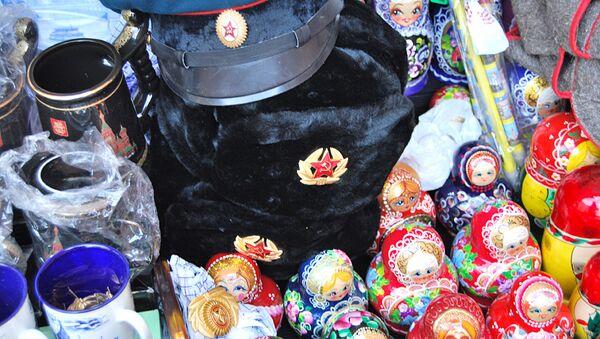 Сувениры в Москве. Архивное фото