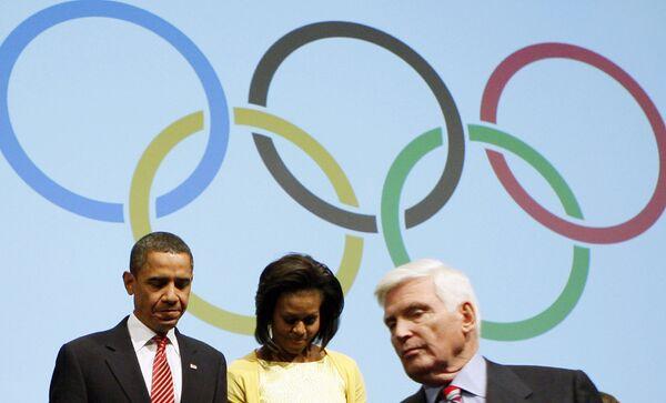 Барак Обама с супругой Мишель после представления города Чикаго на Олимпиаду-2016