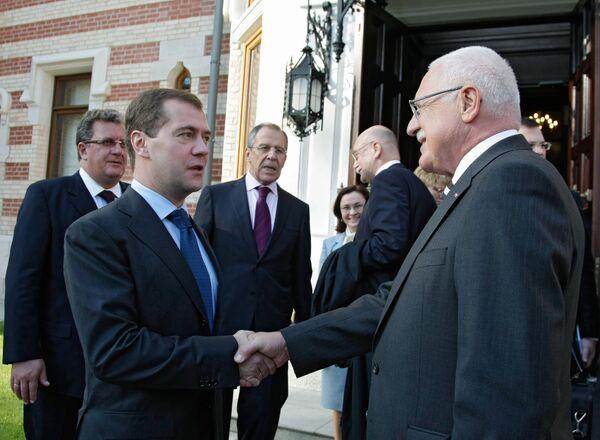 Президент РФ Дмитрий Медведев и президент Чешской Республики Вацлав Клаус