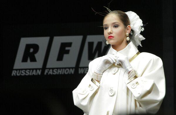 Показ коллекции модельера Вячеслава Зайцева открыл Российскую неделю моды