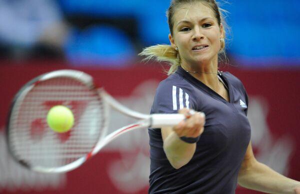 Кириленко обыграла Чжэн Цзе на выставочном теннисном турнире