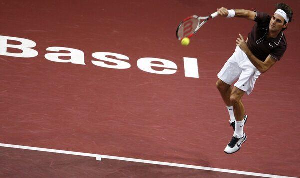Федерер вышел в финал теннисного турнира в Базеле
