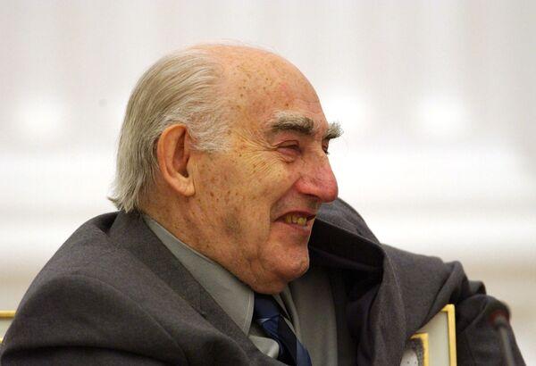 8 ноября 2009 года скончался Виталий Лазаревич Гинзбург – один из ведущих российских физиков-теоретиков, лауреат Нобелевской премии по физике 2003 года.