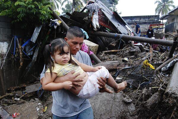 Разрушительные последствия урагана Ида