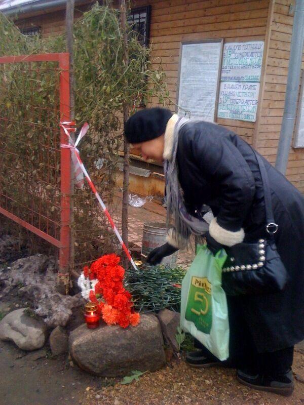 Желающие проститься с отцом Даниилом собираются на Кунцевском кладбище