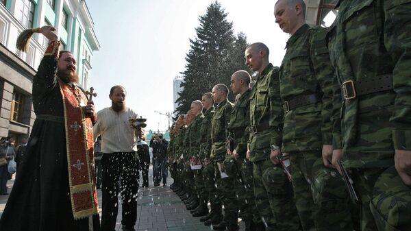 Торжественные проводы новобранцев Президентского полка на железнодорожном вокзале Новосибирска